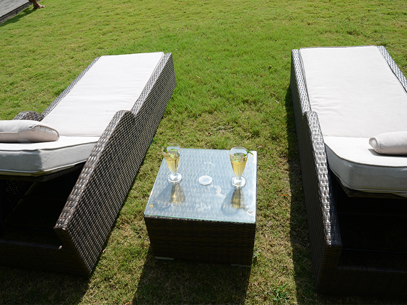 patio wicker lounge bed
