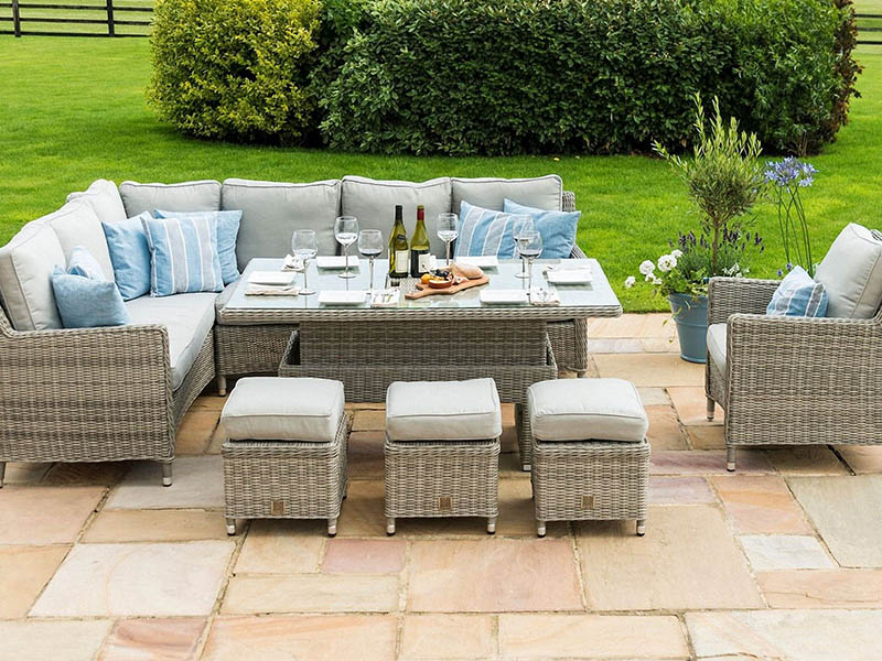 Elegant Sectional Wicker Dining Sets