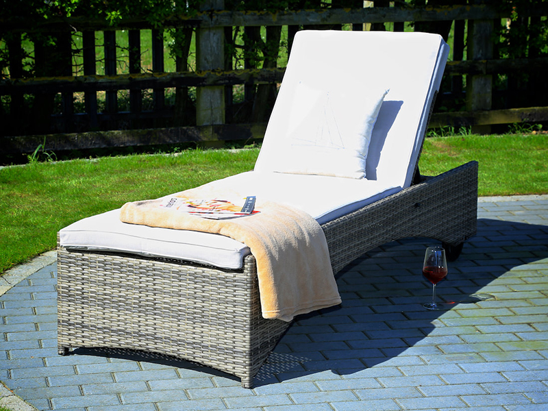adjustable sun lounger