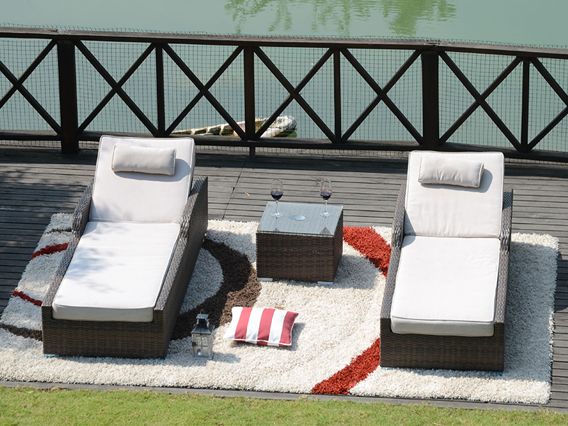 rattan lounge bed